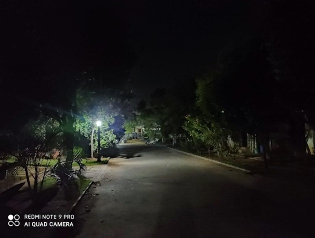 Парк ночью на Redmi Note 9 Pro